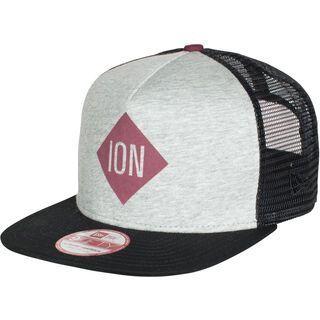 ION Cap Scrub, black